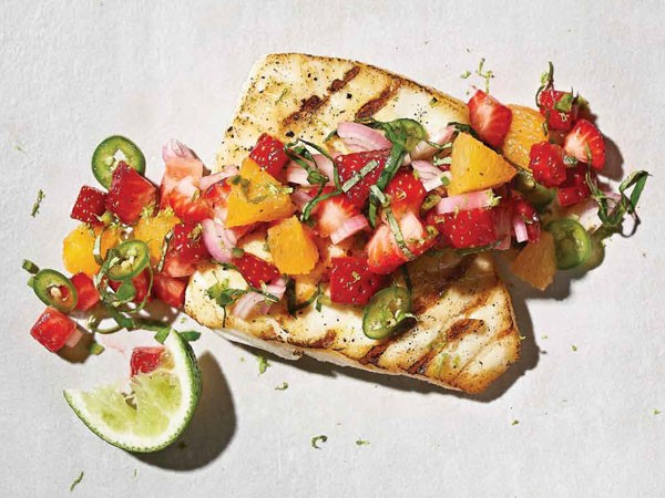 Grilled halibut with fruit salsa