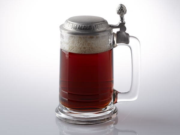 Dunke served in stein with lid closed