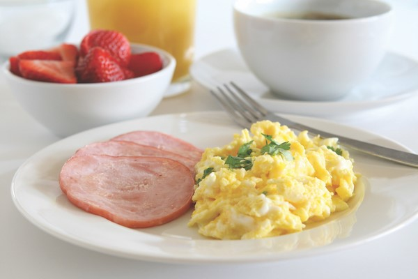 scrambled eggs on a plate.