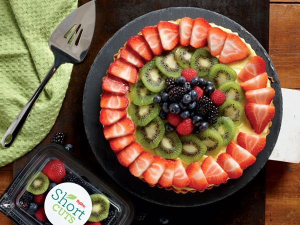 Fruit pizza platter with Short Cuts fruit