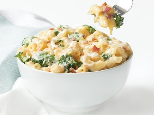 homemade mac and cheese with broccoli
