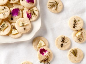 Shortbread cookies with pressed herbs on top