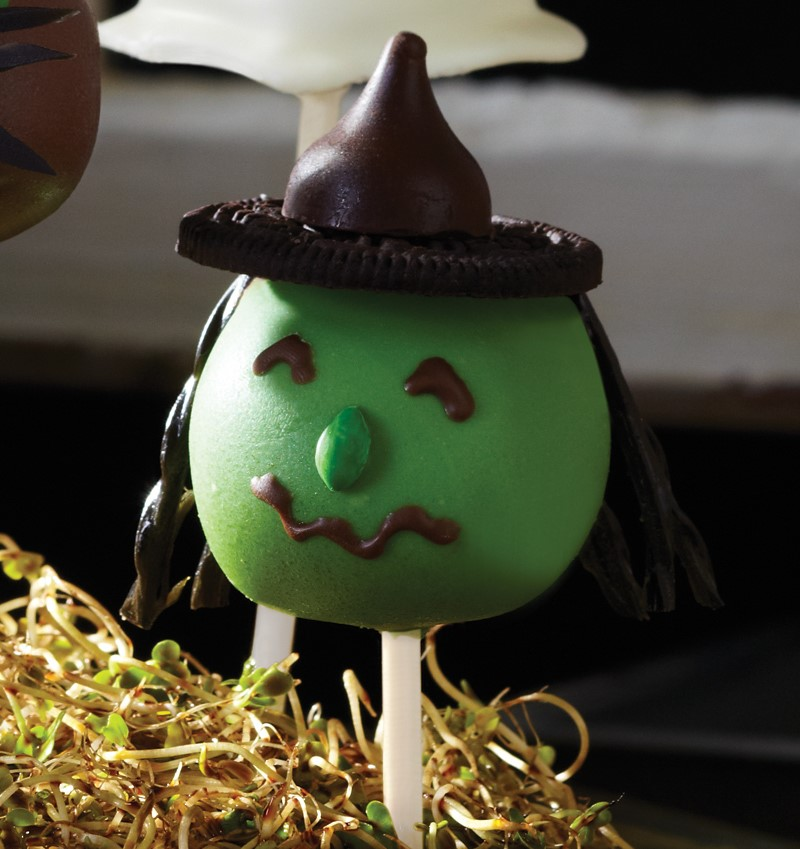 Green Witch Cake Pop with Oreo and Hershey Kiss Hat