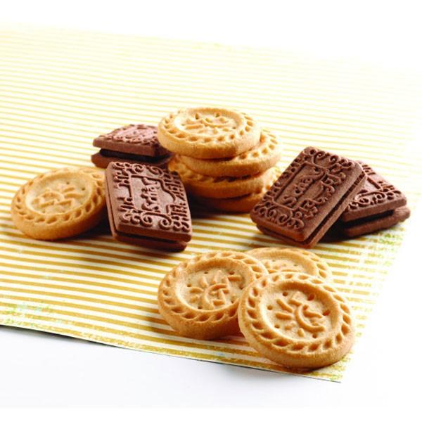 Vanilla and Chocolate Shortbread Cookies