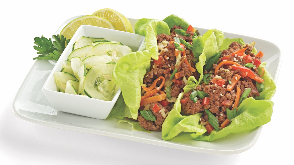 Lettuce Wraps with Ground Beef, Cucumbers, Carrots, and Peppers