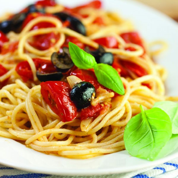 Spaghetti with Black Olives and Fresh Basil