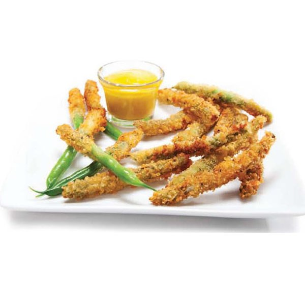 Battered and fried green beans with dipping sauce on the side
