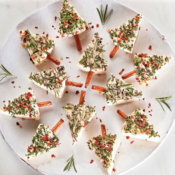 Holiday Cheese trees with herbs and red pepper flakes